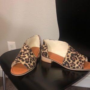 Cute cheetah half inch flats